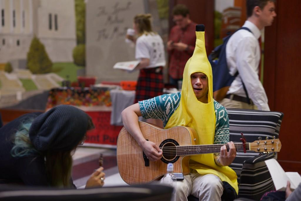 halloween-costumes-banana